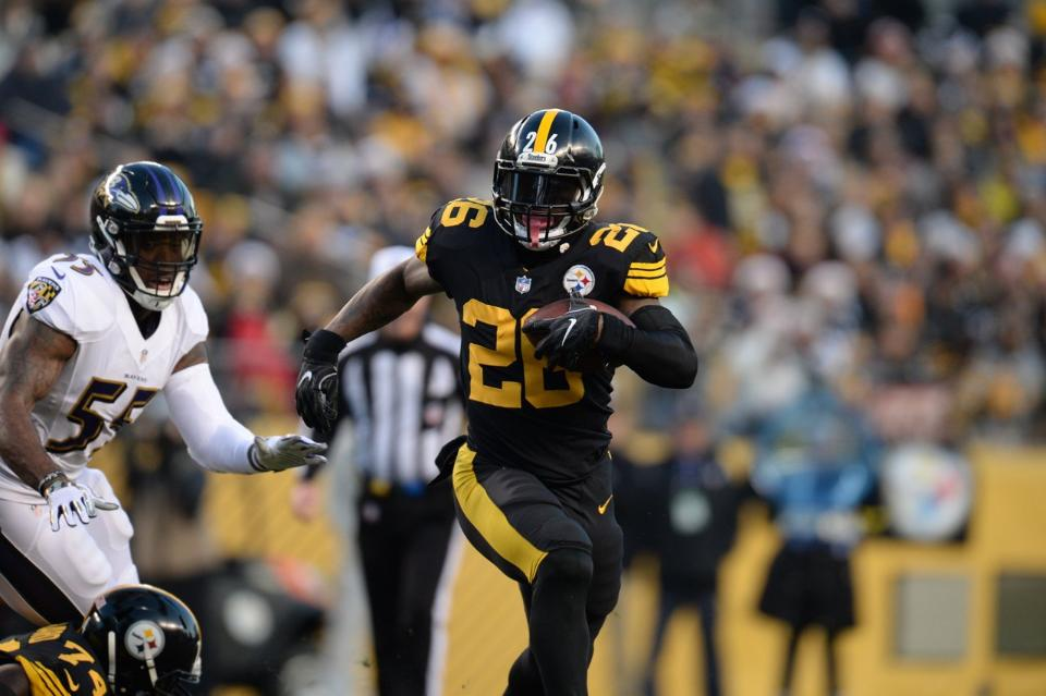 Steelers place franchise tag on RB Le'Veon Bell