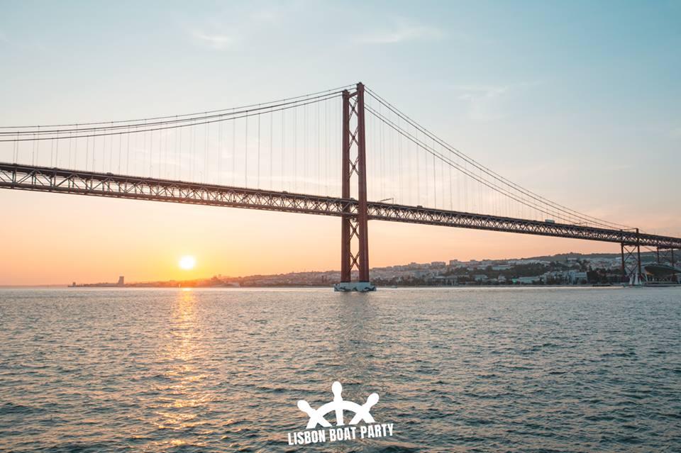 Lisbon boat party 2
