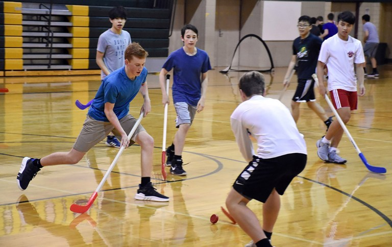pe floor hockey