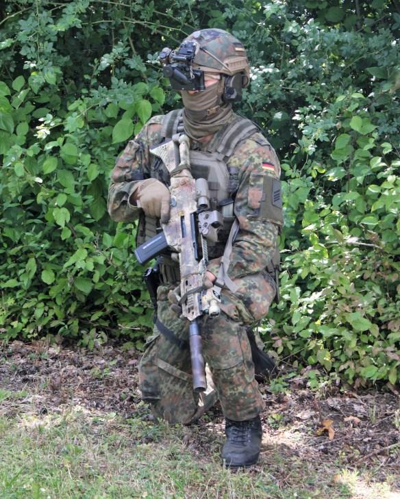 """Fallschirmjäger mit G36 Variante am """"Tag der Infanterie"""" 2018 in Hammelburg"""