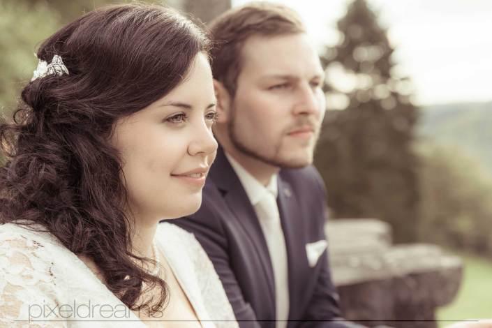 Verträumt, Braut, Bräutigam, Hochzeitsshooting, Hochzeitsfotografie, Schloss Braunsfeld, Siegen, Köln, Düsseldorf, Bonn, Hochzeitsfotograf