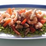 Moscardini e Gamberi al Vapore su Fagioli Verdi e Pomodori