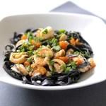 Tagliolini al Nero di Seppia con Calamaretti, Scampi e Zucca