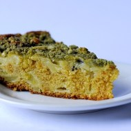 Torta di Kiwi e Mele con Crumble al Tè Matcha