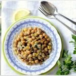 Ceci con Cipolla, Pinoli, Uvetta e Aceto Balsamico (Garbanzos de Pinotxo)