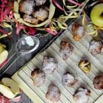 Frittelle con Mele, Uvetta e Pinoli