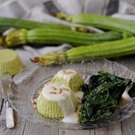Sformatini di Zucchine con Fonduta di Parmigiano, Pinoli Tostati ed Insalatina di Spinacini al Balsamico