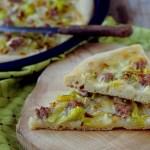 Pizza (in Teglia) Bianca con Porri, Salsiccia e Gorgonzola