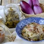 Spaghetti con Bianchetti, Cipolla di Tropea, Olive Schiacciate e Pepe Rosso