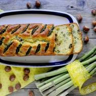 Cake Salato con Asparagi, Feta e Nocciole