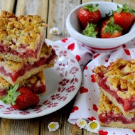 Strawberry Crumb Bars – Trancetti di Frolla con Fragole e Crumble