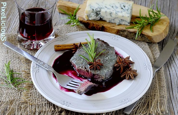 Filetto di Manzo al Gorgonzola con Salsa all'Amarone