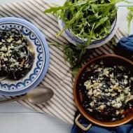 Tagliolini al Nero di Seppia con Branzino, Pinoli, Uvetta e Pesto di Rucola