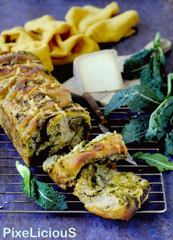 Pull Apart Bread (Pane a Fisarmonica) con Pesto di Cavolo Nero e Pecorino Toscano