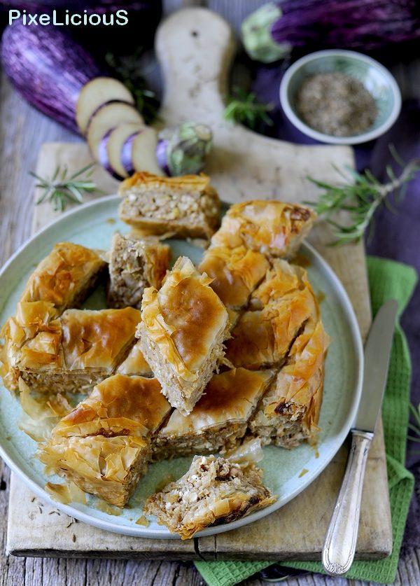 Melitzanopita Me Karydia - Torta Salata di Pasta Fillo con Melanzane e Noci