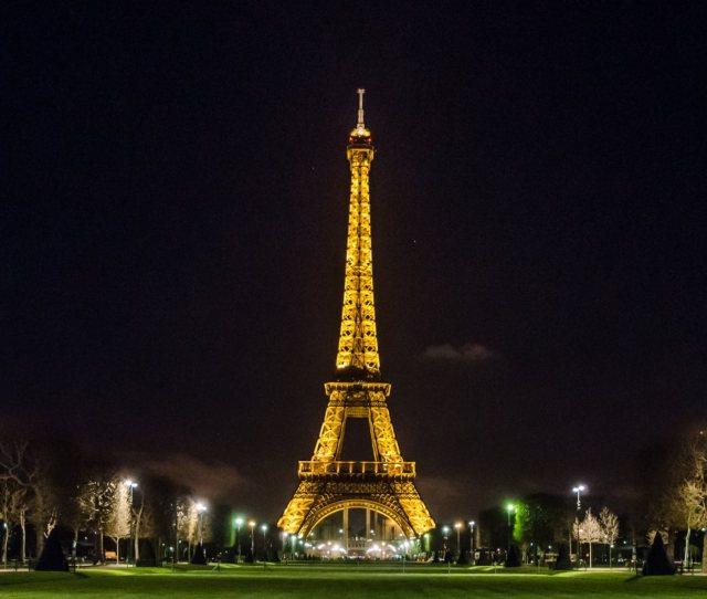Eiffel Tower At Night Wallpaper Hd