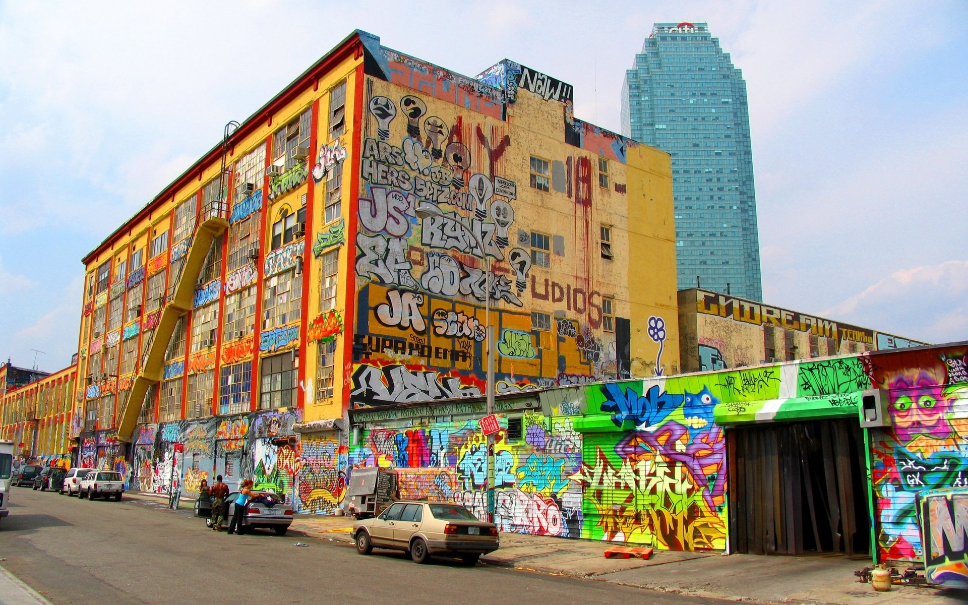 3d Christmas Wallpaper Backgrounds 2015 Graffiti City Wallpapers Hd Free Download Pixelstalk Net