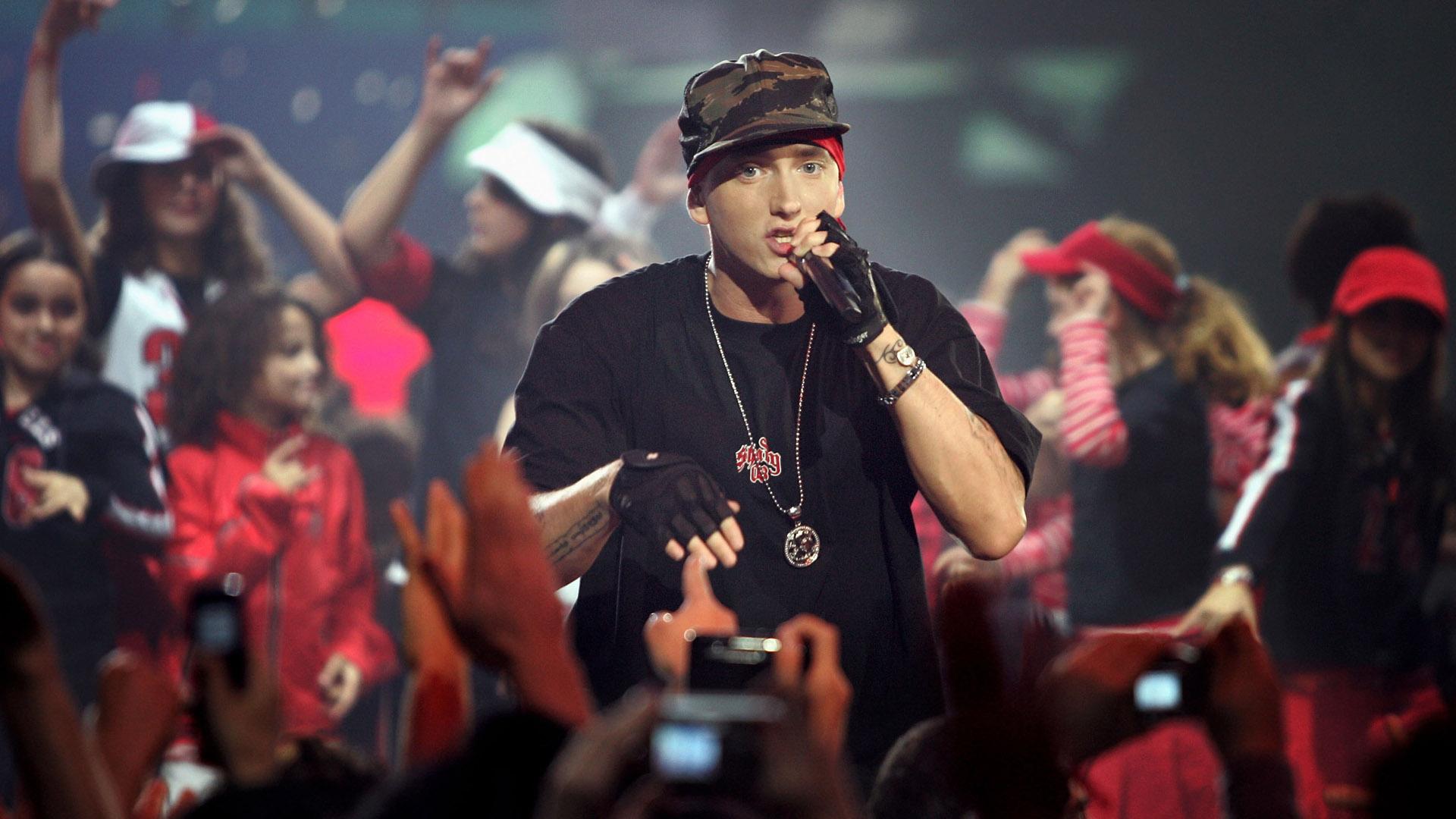 Fall Out Boy Desktop Wallpaper Hd Eminem Singer Wallpaper Pixelstalk Net