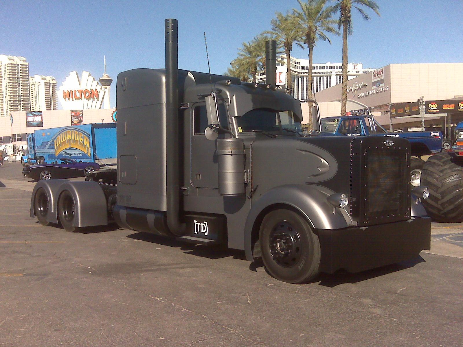 Truck Pimped Trailer Semi