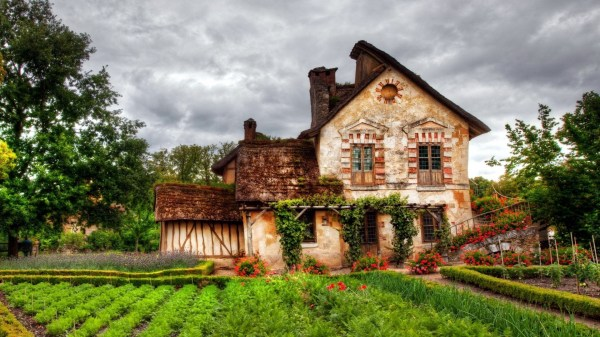Free Cottage Wallpaper