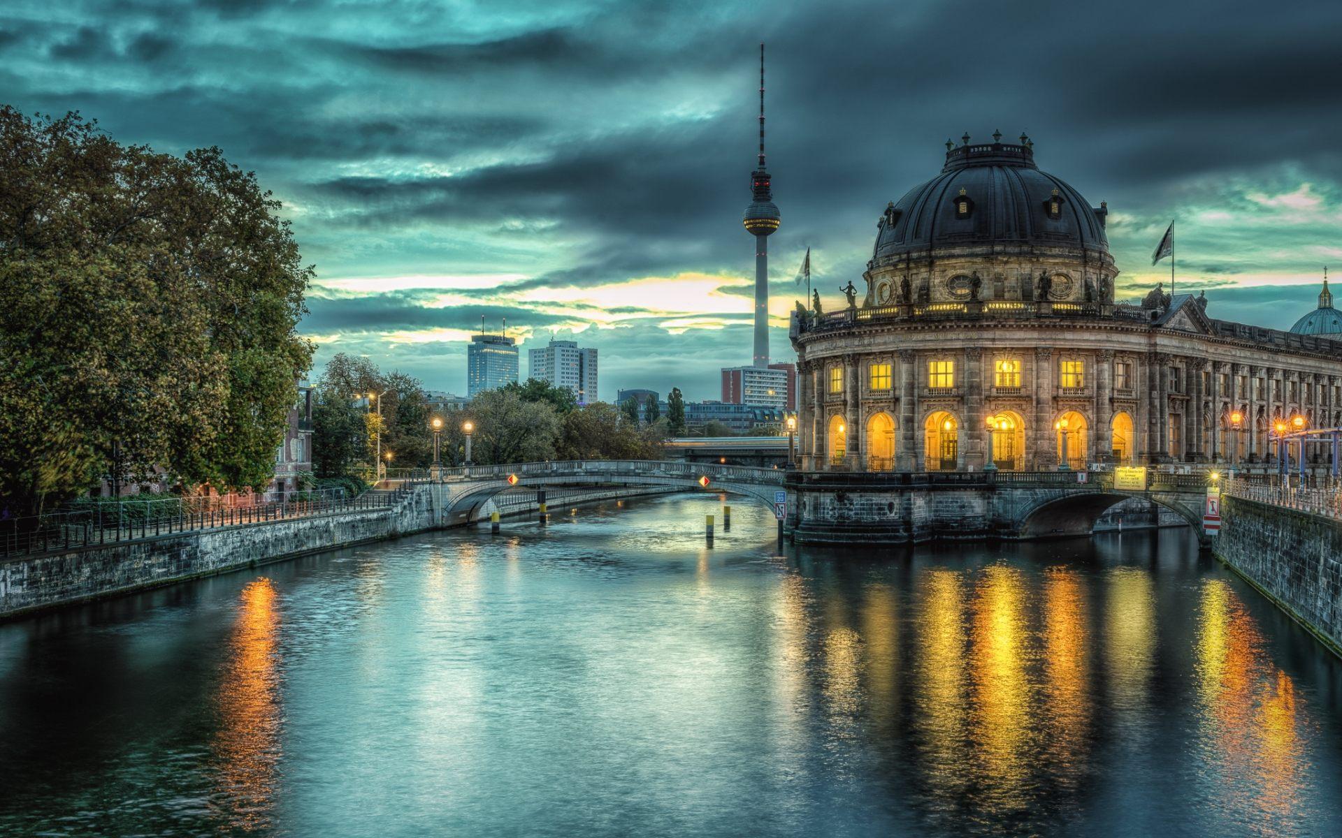 3d Live Phone Wallpapers Berlin Wallpapers Hd Free Download Pixelstalk Net