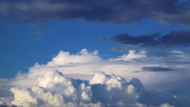Iphone Moving Wallpaper Iphone X Download Free Cloudy Sky Hd Wallpaper Pixelstalk Net