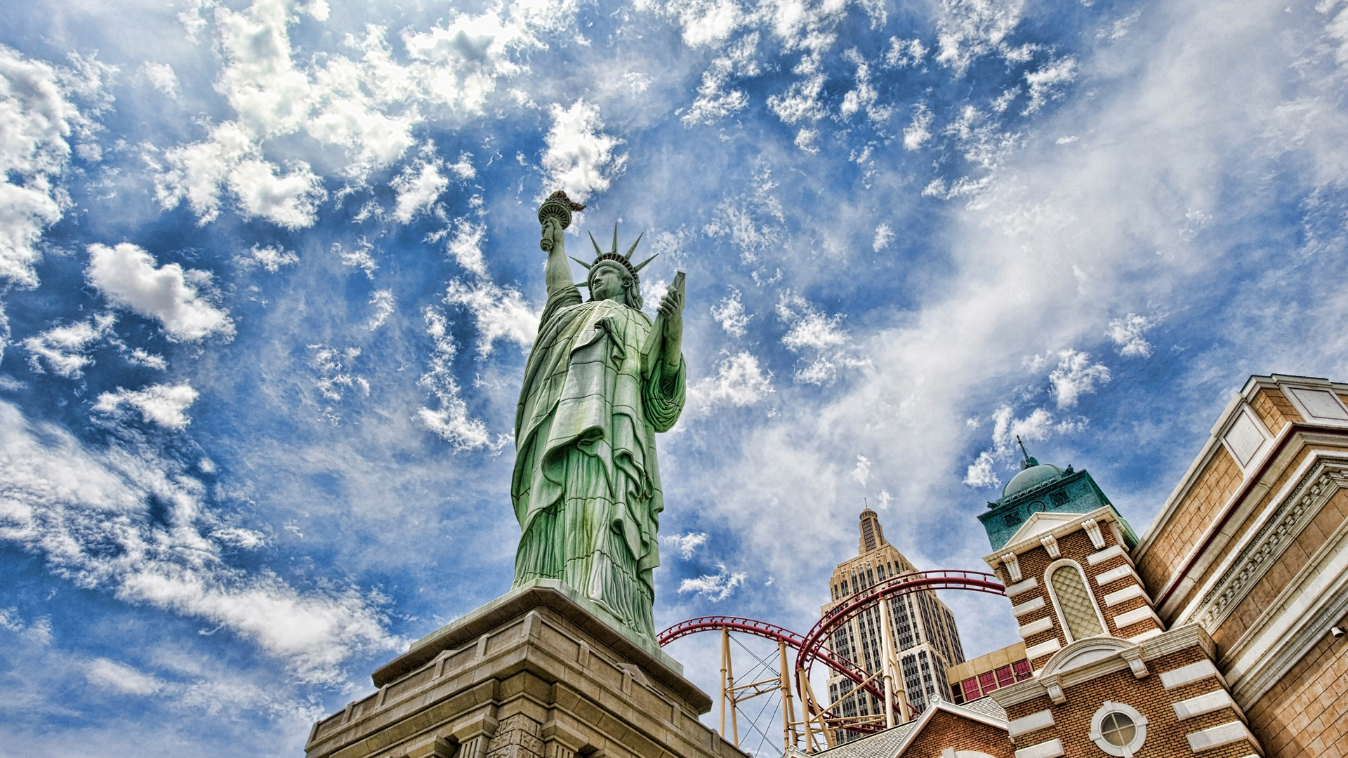 Falling Water Wallpaper Free Download Statue Of Liberty In New York Hd Wallpaper Pixelstalk Net