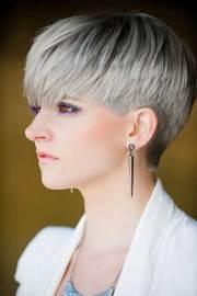 pixie haircut gray hair