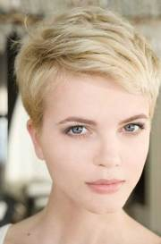 pixie cuts thin hair