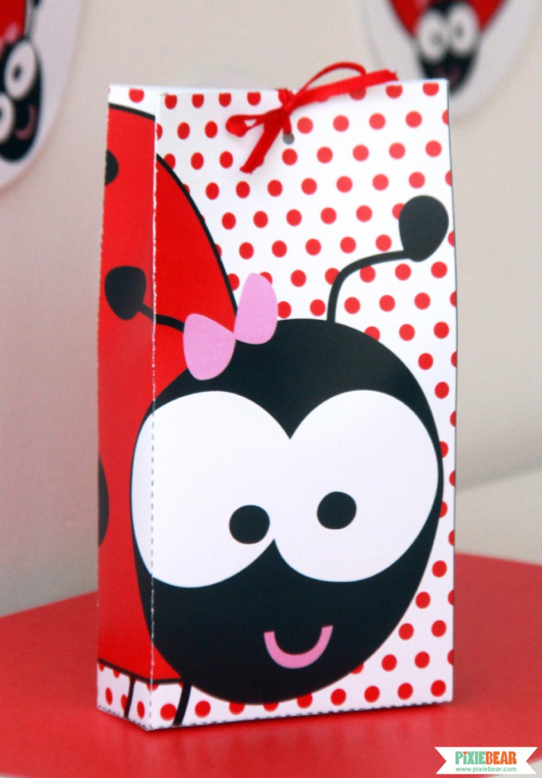 How to Assemble a Party Favor Box by Pixiebear Party Printables