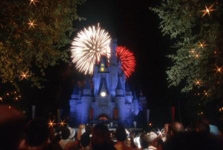 July-4th-fireworlk-Disney-Magic-Kingdom