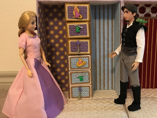 Rapunzel And Flynn Ryder Dolls With Plastic Canvas Case