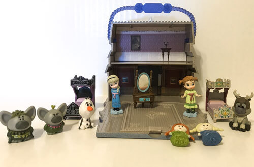 Disney Animators Little Frozen Playset.