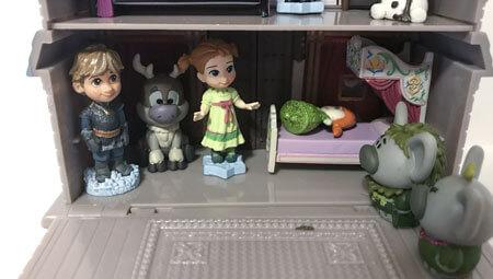 Disney Animators Littles Playset.