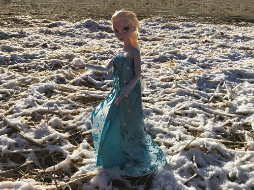 Image Of Elsa Classic Doll With Snow