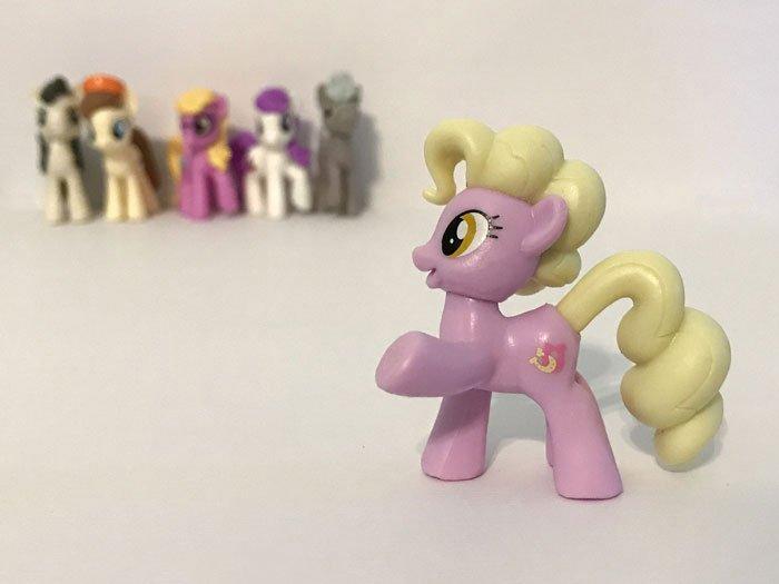 My Little Pony Mini Figure: Luckette.