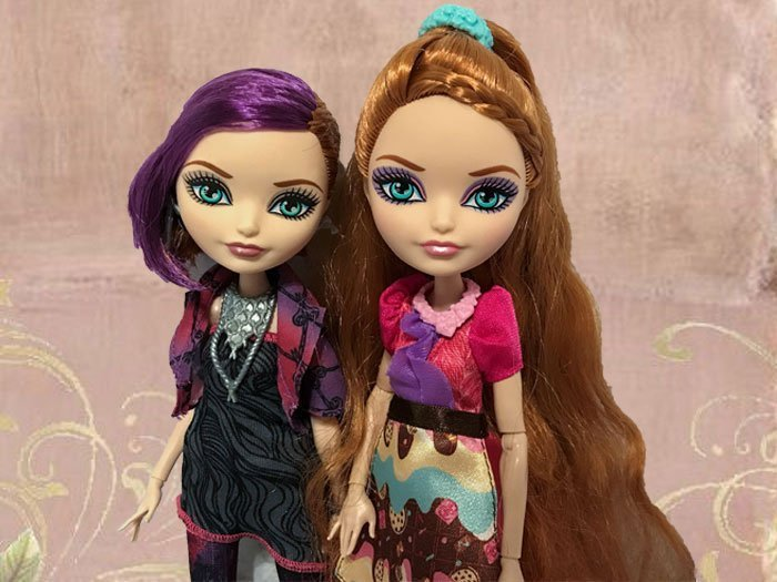 Holly and Poppy O'Hair dolls.