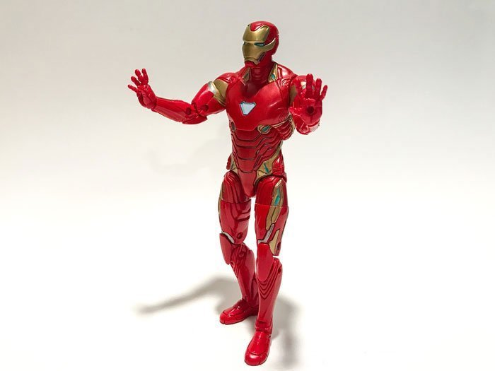 Avengers: Infinity War 6-inch Iron Man Action Figure Review.