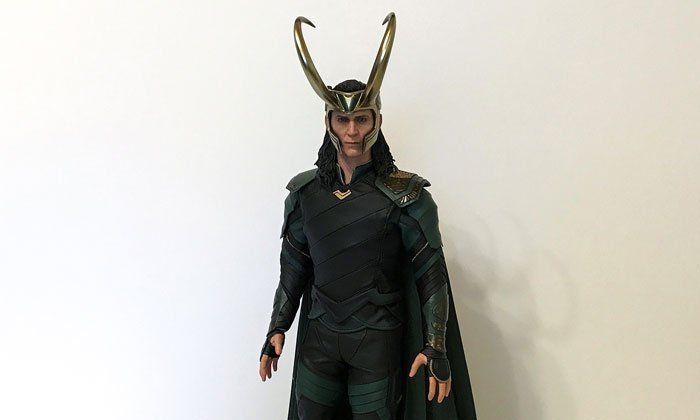 Hot Toys Ragnarok Loki Review.