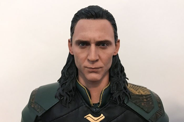 A close up view of Hot Toys Loki from Thor: Ragnarok.