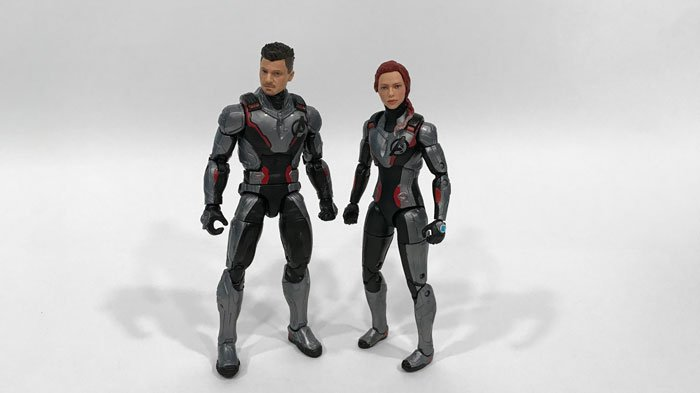 Review of Target exclusive Marvel Legends Black Widow and Hawkeye set.