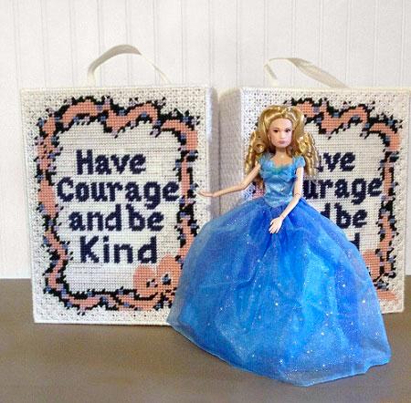 Plastic Canvas Travel Case for Fashion Dolls.