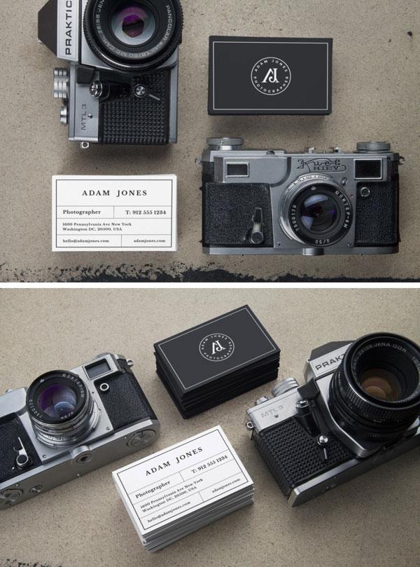 Oryginalny mockup wizytówek z aparatem.