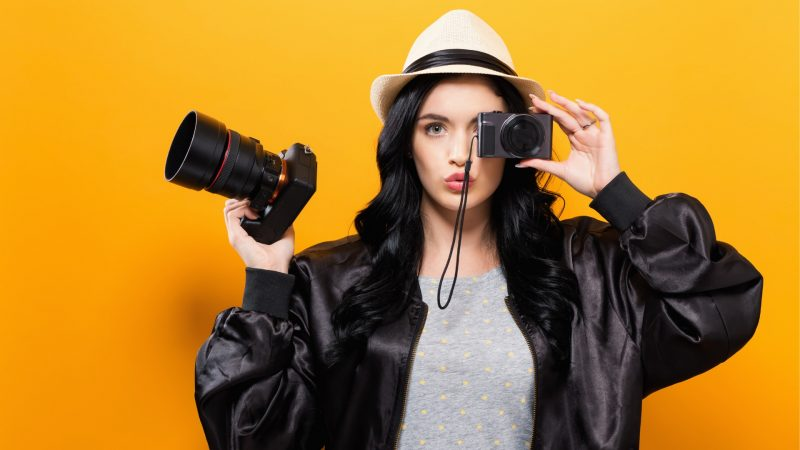 Non-Professional - Compact Cameras