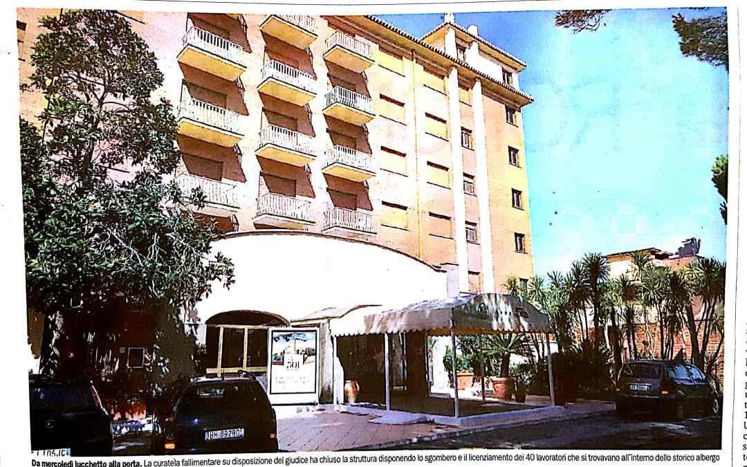 Scontro dopo la chiusura dell'Hotel 501