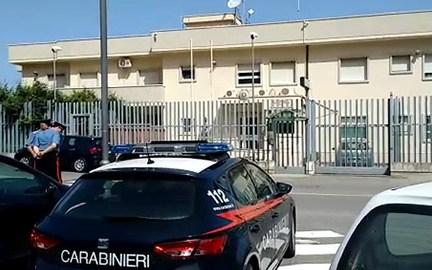Sorpreso al mercato con i genitori, latitante catturato dai carabinieri a Pizzo (FOTO)
