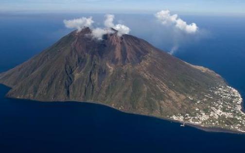 Lo Stromboli ancora in eruzione