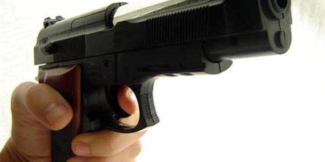 Pizzo: Minaccia titolare locale con una pistola giocattolo, denunciato