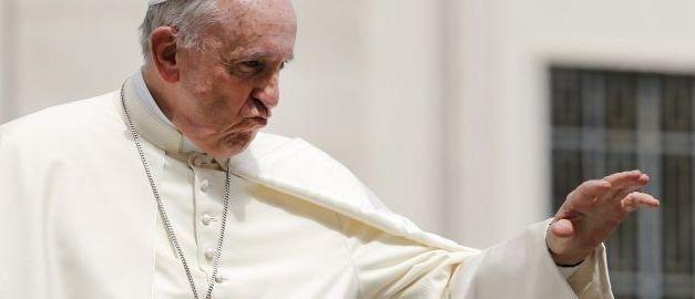 Il Papa: «Serve coraggio per sposarsi, il matrimonio è un sacramento»