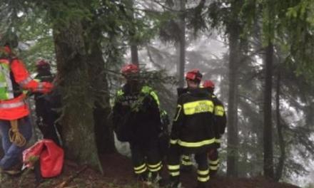 Va a funghi e si perde, ritrovato nel bosco di Serra dai vigili del fuoco